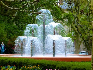 Springbrunnen_Kurpark_Bad_Homburg_2015_04_25_Foto_Elke_Backert