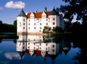 Gluecksburg Wasserschloss (2)