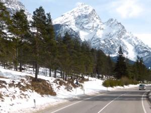 Landstrasse Dolomiten