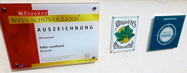 Schilder Wein.Schoener.Land Route der Genuesse 2016-06-16 Foto Elke Backert
